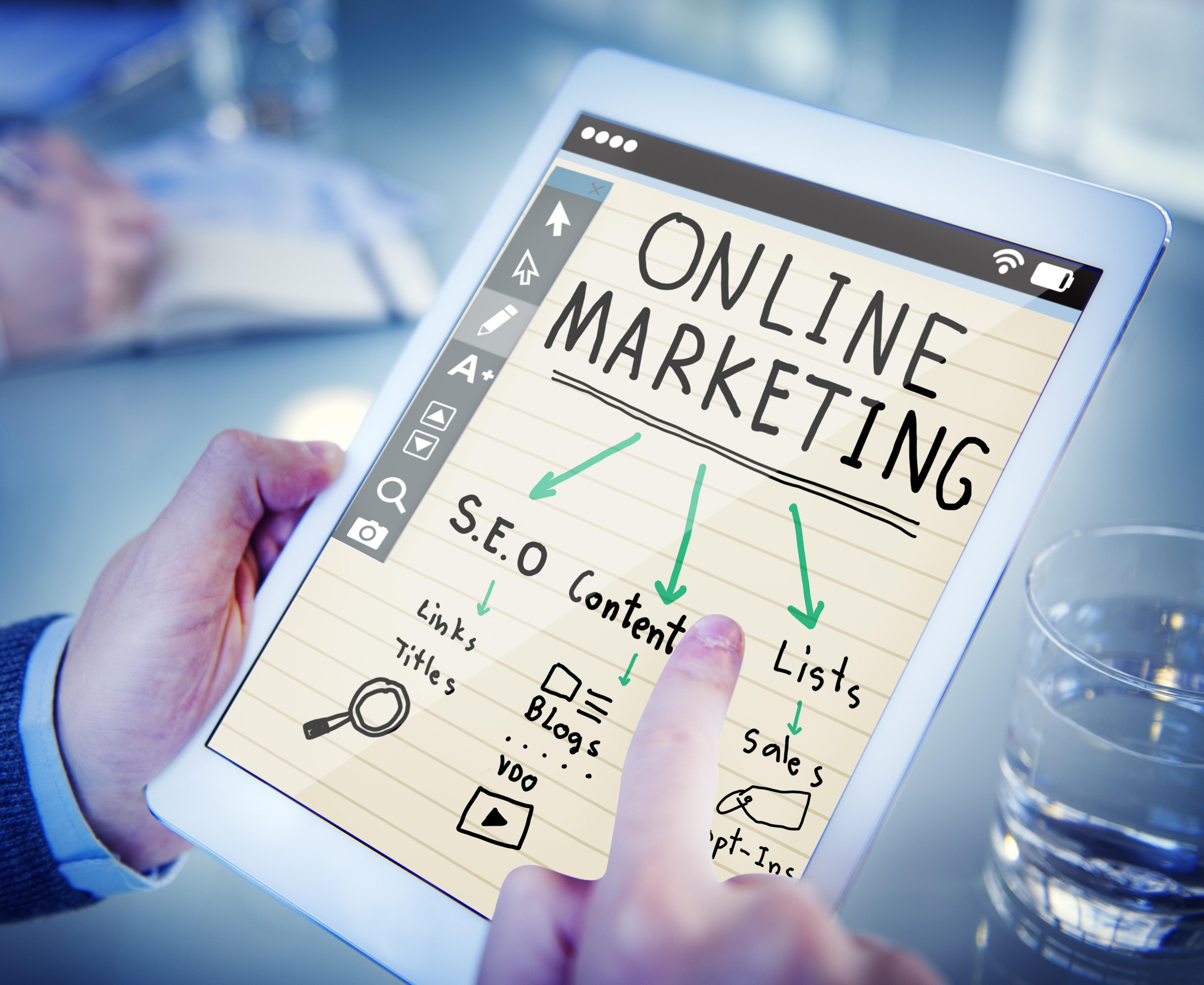 close-up-commerce-data-online-marketing