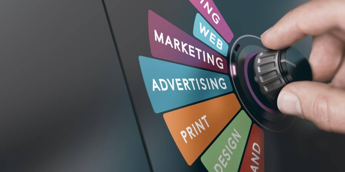hand turning knob choosing digital marketing